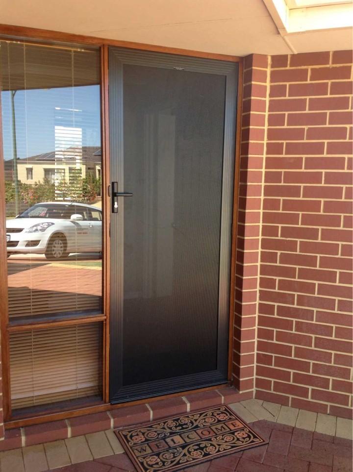 alugard-front-door